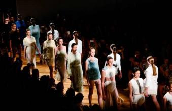 세계 각국에서 일년 내내 패션위크가 열리는 이유