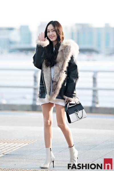 [패션엔 포토] 제시카, 한겨울 반전있는 하의 실종 무스탕 패션 '급이 다른 패셔니스타!'
