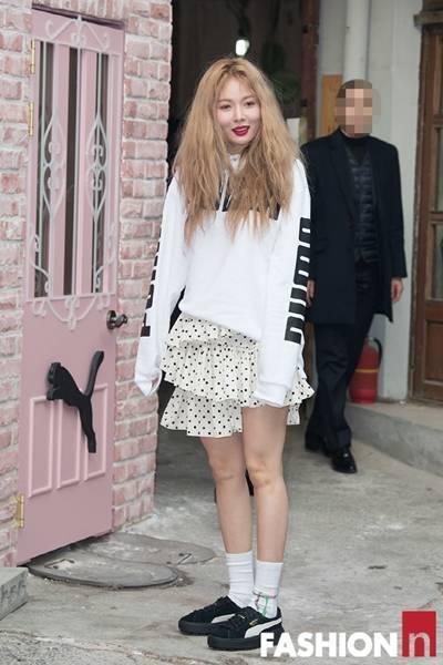 [패션엔 포토] 현아, 캉캉스커트 입고 발랄한 봄 나들이 '이게 바로 큐티섹시!'