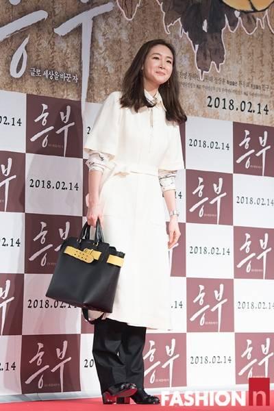 [패션엔 포토] 최지우·김소연·재경·효민, 차분한 분위기로 맞이한 '흥부' 시사회룩