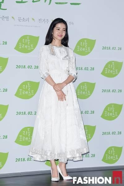 [패션엔 포토] 김태리·진기주, 흑과 백의 아름다운 조화 '여배우의 품격'
