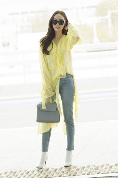 제시카, 봄기운 가득한 옐로우 러플 블라우스 패션 '화사함 폭발'