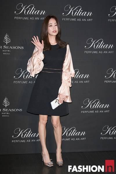 [패션엔 포토] 이민정·김효진·강승현·기은세, 엣지 넘치는 블랙&화이트 파티룩!