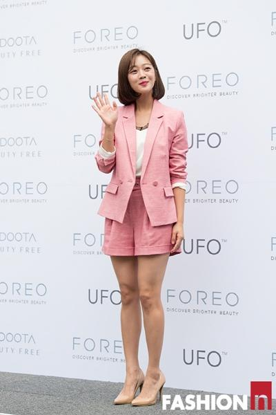 [패션엔 포토] 조보아, 사랑스러운 핑크빛 반바지 슈트룩...상큼 매력 지수 폭발!