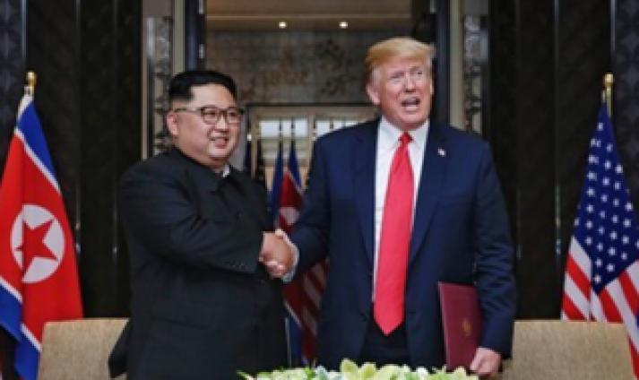 '세기의 담판' 김정은-트럼프, 다른 듯 닮은 두 승부사의 '정상회담스타일'