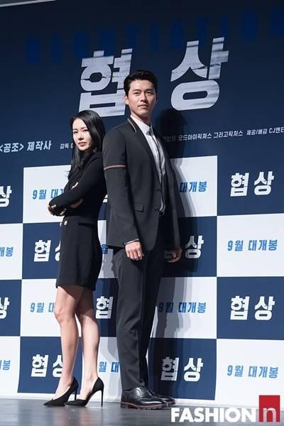 [패션엔 포토] 손예진·현빈, 선남선녀의 고품격 블랙 슈트룩 '역대급 꿀조합'