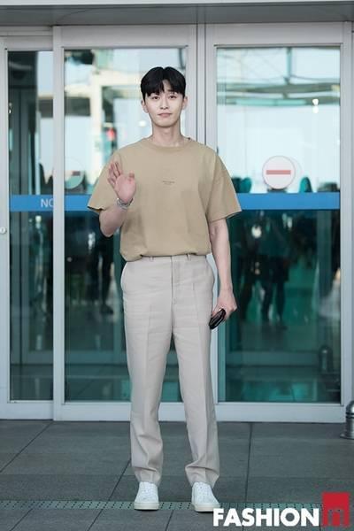[패션엔 포토] 박서준, 심플하지만 멋스러운 취향저격 톤온톤 패션
