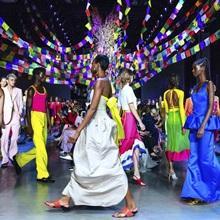 [리뷰] 레인보우 파워, 2019 봄/여름 프로발 그룽 컬렉션