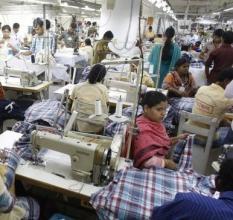 방글라데시, 의류 노동자 임금 월 10만원으로 인상
