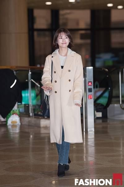 [패션엔 포토] 정소민, 상큼한 단발 여신! 청순미 뽐낸 화이트 코트룩