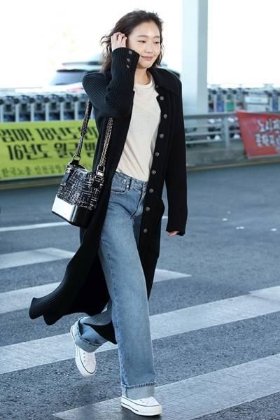 [패션엔 포토] 김고은, 보이프렌드 진으로 멋낸 청순 데일리룩 '수수해도 빛나'