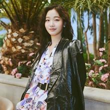 김고은, 화려한 원피스와 블랙 재킷이 만난 환상의 레이어드룩!