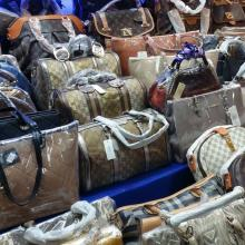 중국, 168억 규모의 짝퉁 제조 & 판매 일당 32명 체포