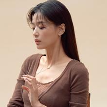 전지현, 우아한 일상을 장식하는 워너비 주얼리룩 '명불허전'