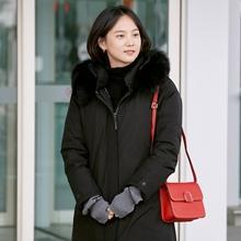 윤승아,  코트같은 우아한 블랙 패딩룩 '여신미 폭발'